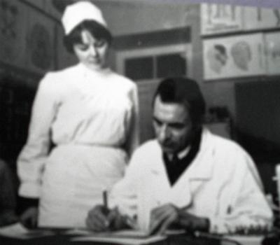 КГМУ Н Н Чертков стал ассистентом кафедры нервных болезней а затем после защиты кандидатской диссертации доцентом В 1988 1990 гг он заведовал кафедрой